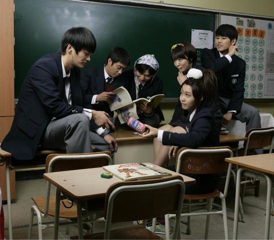 tvN <응답하라 1997>은 최고시청률 5%를 돌파하며 8주 연속 케이블TV 동시간대 1위를 차지한 화제의 드라마다.