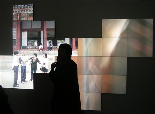 서도호 I '함녕전 프로젝트_동온돌(퍼즐)' 국립현대미술관 커미션 2012 (퍼포머: 정영두)