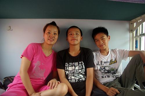 중국 기차에서 만난 한 가족. 중학생의 호기심은 언어를 초월한다.