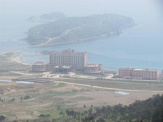 라진의 아름다운 해변가에 자리잡고 있는 오성급 중국 카지노 호텔