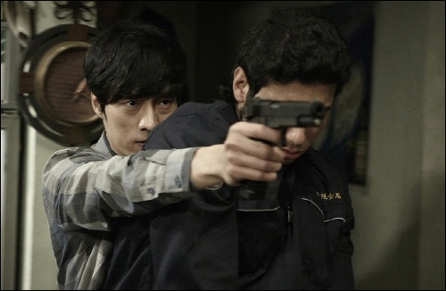 <회사원>의 총격전.