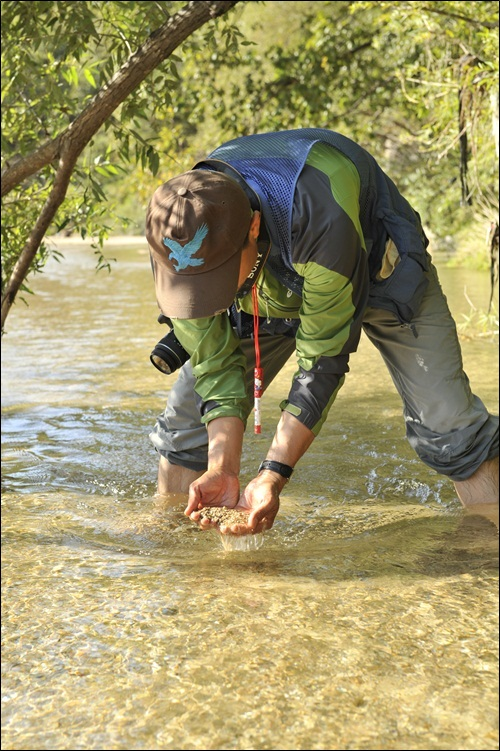 모래강 걷기는 명상의 시간이다. 자신의 내면을 돌아볼 수 있는 시간이다.