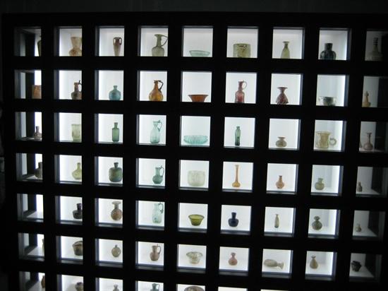 이란 테헤란의 유리박물관의 로만글라스.