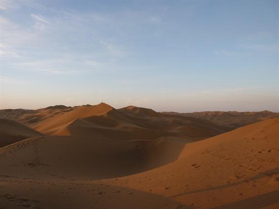 사막에 와보지 않고서 사막의 아름다움을 말할 수 없다. 쿠무타크 사막에서 절대미를 보았다.