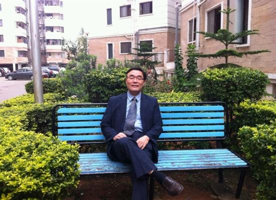 자신이 살고 있는 인도 벵갈루루에서 1000km 떨어진 뭄바이 영사관까지 버스로 왕복 40시간을 달려가 투표한 김효원씨.<오마이뉴스>는 그를 2012년 '올해의 인물'로 선정했다.