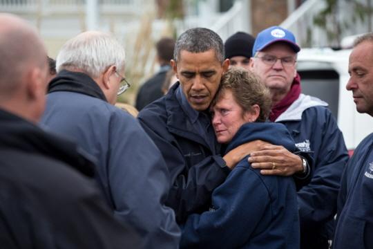 허리케인 샌디의 피해 주민을 위로하는 오바마 대통령