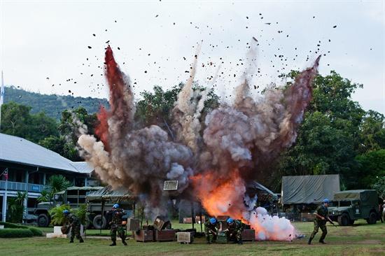 MBC 수목드라마 <7급 공무원>의 미공개 스틸 사진. 해당 장면은 태국 파타야 현지 촬영 모습이다. 촬영은 파타야 해군 사령부의 장소 협조를 받아 실제 군부대에서 진행됐다.
