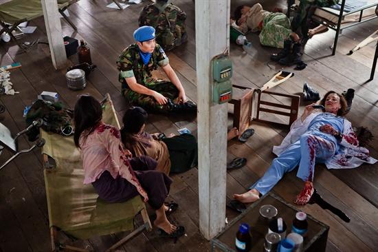 MBC 수목드라마 <7급 공무원>의 미공개 스틸 사진. 태국 파타야 현지 촬영 당시 해군의 지원을 받아 군부대 내에서 촬영을 진행할 수 있었다. 공도하 역을 맡은 찬성이 보인다.(군복입은 사진)