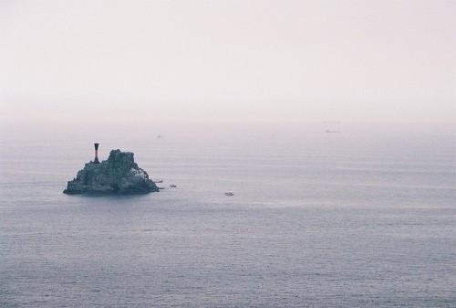 부산 영도 끝 태종대 전망대 앞에 있는 섬 '생도'. 주전자처럼 보여서 '주전자섬'이라고도 한다.