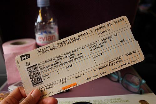 예약을 미리 하지 않아 무려 89유로를 주고 산, 파리에서 바욘까지의 떼제베 티켓.