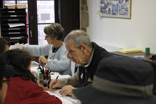 순례자사무소의 안내인들은 대부분 노인들이다. 영어를 잘 하지 못하시지만 따듯하고 친절하다.