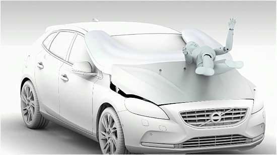 볼보자동차가 세계최초로 개발한 보행자 에어백. 차와 사람이 부딪혔을때 차의 앞 보닛이 위로 약 10센티미터 올라간다. 이와함께 앞 유리창에 유(U)자 형태의 에어백이 터지게 돼 있다. 2차 충돌에 따른 부상 위험을 크게 줄이기 위해서다.