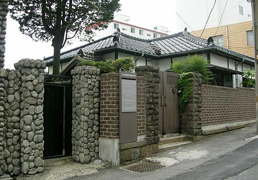 구 조선미곡창고 주식회사 사택. 건축학 연구 자료로도 높게 평가받고 있다