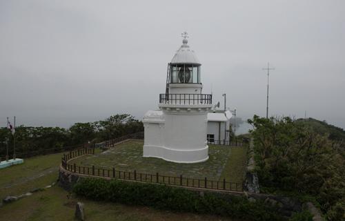 대한민국 최서남단의 섬 신안 가거도에 있는 가거도등대. 1907년 12월부터 불을 밝혀오고 있다.