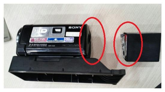 해경은 강제로 빼앗는 과정에서 카메라를 파손시켰다. 해경은 사전영장 제시 없이, 정당한 이유도 고지하지 않고 송강호의 핸드폰과 박도현의 카메라를 억지로 빼앗았다.  그 과정에서 카메라가 파손되었다.
