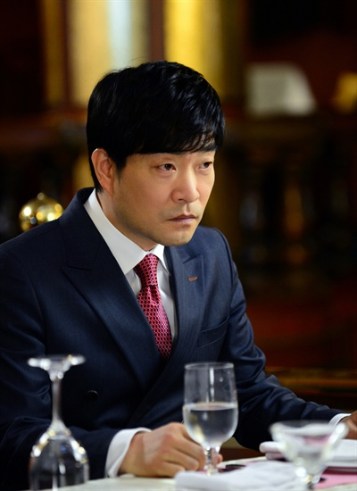 SBS <황금의 제국>의 최민재(손현주 분)