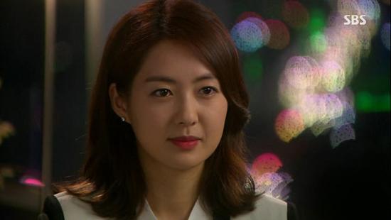 SBS <황금의 제국>의 최서윤(이요원 분).