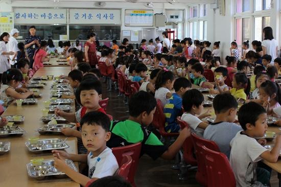아이들이 먹는 음식, 아무리 안전을 강조해도 지나침이 없습니다.
