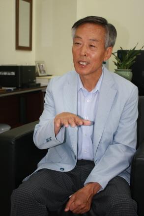 세계조정선수권대회 조직위 김정선 사무총장 대회 준비에 대해 상세히 설명하고 있다.