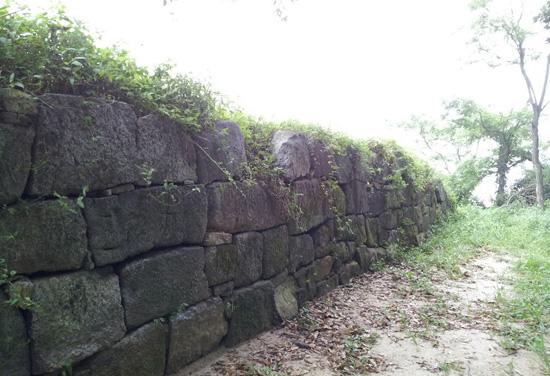 굴암돈대 오른쪽의 모습