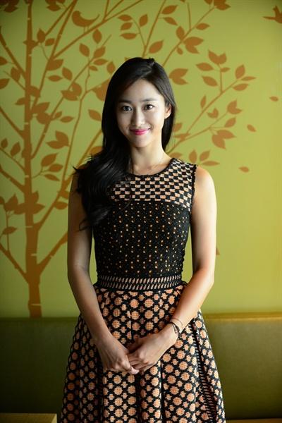 SBS 새 예능 프로그램 <심장이 뛴다>에 출연하는 배우 전혜빈