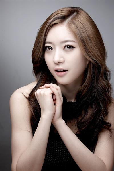 영화 <노브레싱>에 이어 <58년 개띠>에 출연하는 달샤벳 아영