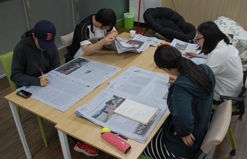 수업 이외 시간에는 동기들끼리 모여 스터디를 하거나 개인 공부를 하며 보낸다.