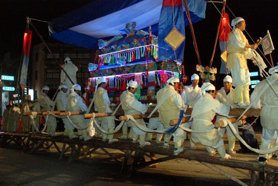 우성면 봉현리 주민들이 무형문화재 제23호로 지정된 상여놀이를 선보였다.