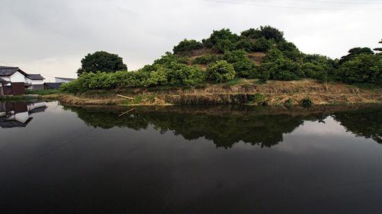 일본에서 수백향의 무덤으로 추정하고 있는 서전총고분. 일본 나라현 덴리시에 있다.