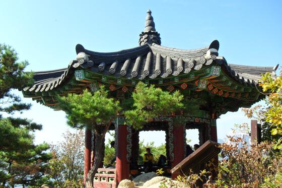 매월정 노원구에서 김시습을 기리기 위해  2008년 수락산에 매월정이 세워졌다.