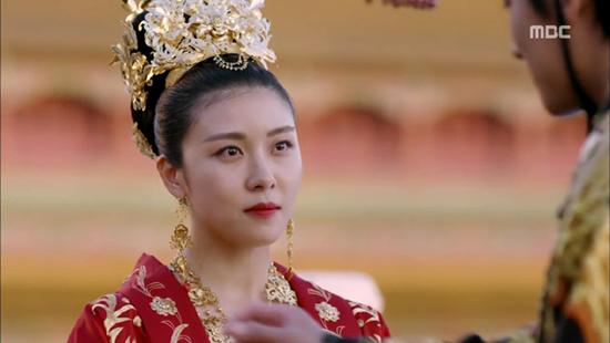 28일 첫 방송된 MBC <기황후> 첫 회는 시청률 11.1%(닐슨코리아, 전국기준)을 기록하며 동시간대 1위를 차지했다.