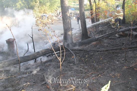 8일 오전 8시경 창원 팔용동 안암서원 뒤 임야에서 산불이 발생했다.