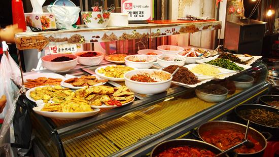 통인시장 도시락 카페 가맹점 '시골반찬', 이 곳은 도시락 카페가 운영된 후 매출이 30~40% 늘었다.