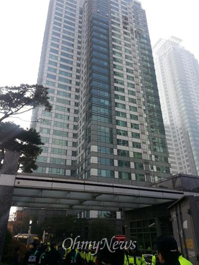헬기와 충돌한 서울 삼성동 아이파크 아파트
