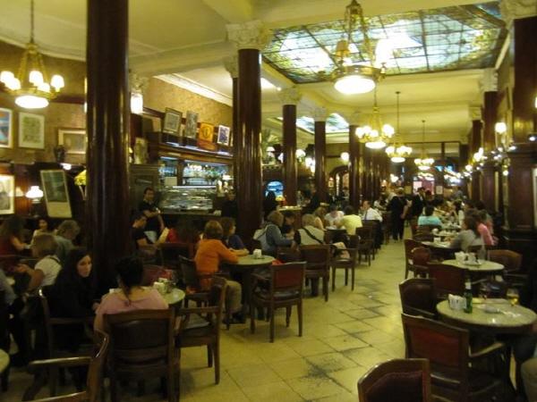 부에노스 아이레스 최초의 카페, 토르티니(Cafe Tortini)