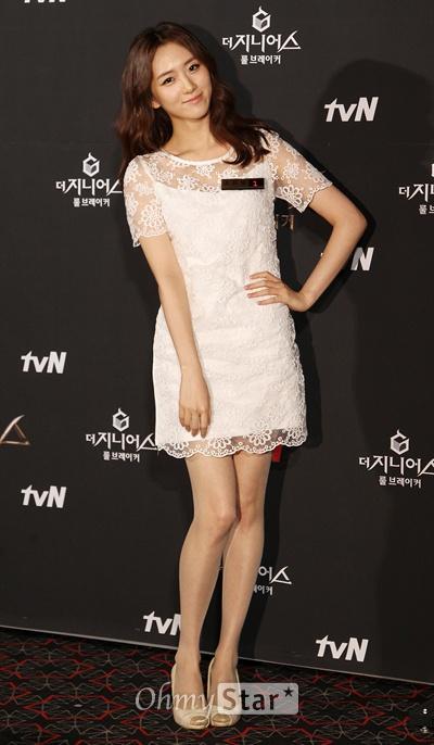 3일 오후 서울 상암동 CGV상암에서 열린 tvN <더 지니어스2:룰브레이커> 시사회 및 기자간담회에서 아나운서 조유영이 포즈를 취하고 있다.