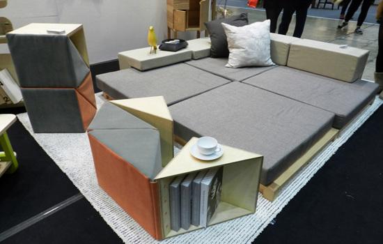 전계한 디자이너 작품 책꽂이와 소파 공간활용을 할 수 있으면서도 분리가 가능한 제품. 평소 이런 제품을 원했는데, 여기 있었다.