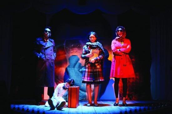 연극 <목란언니>는 남북문제를 사람의 문제로 풀어내 공감대를 형성했고, 탈북자 목란의 비극을 조대자 일가와의 악연으로 엮어 자본주의에 참혹한 현실을 비췄다.