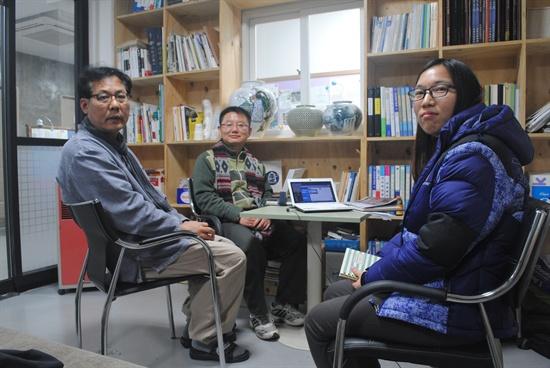 콩나물신문협동조합의 한효석 상임이사, 오산 편집인, 박새로미 상근기자