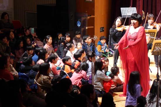 객석과 연주석이 하나가 된 월요음악회 700회 기념 공연