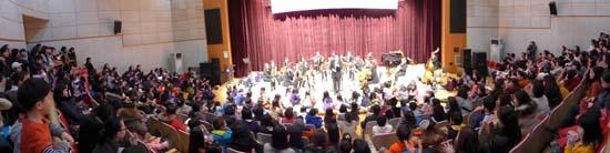 월요 음악회 700회 기념 음악회가 열린 안양 동안청소년수련관 문예극장