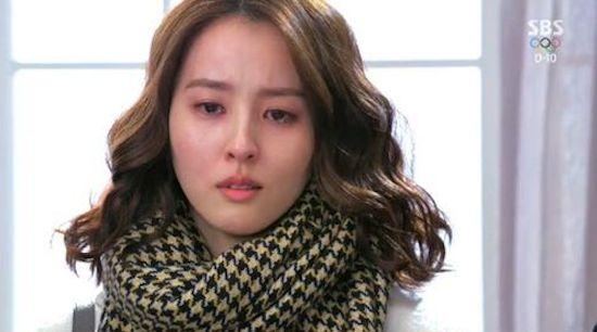 지난 28일 방영한 SBS 월화드라마 <따뜻한 말 한마디>의 나은진(한혜진 분).