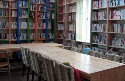 죽곡농민 열린도서관 내부 모습. 농민회 지회에서 만든 농민문고를 모태로 마을도서관으로 성장했다.