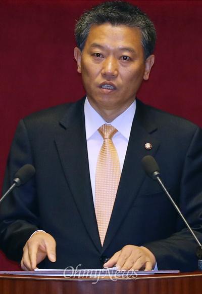 김선동 통합진보당 원내수석부대표가 6일 국회 본회의에서 비교섭단체 대표연설을 하고 있다.