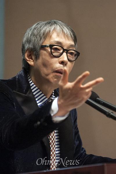 이승만 영화 만드는 서세원 서세원 감독 겸 목사가 13일 오후 서울 중구 프레스센터에서 열린 '건국대통령 이승만 영화 시나리오 심포지움'에서 발언을 하고 있다.