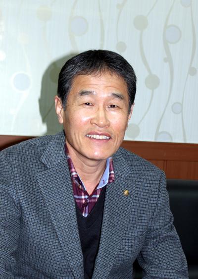 김선석(61, 도황리, 펜션업) 근흥면 도황리 전 연포해수욕장번영회장