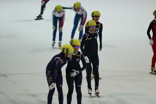 여자 쇼트트랙 팀이 소치올림픽에서 금2, 은1, 동2의 기록을 내 밴쿠버올림픽의 아쉬움을 풀었다. 사진은 지난해 월드컵 2차 대회에서 모습