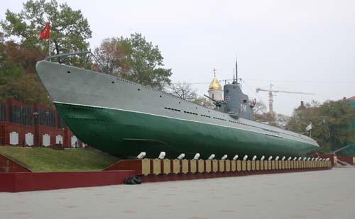 블라디보스토크 항구에 전시된 제2차대전 당시 잠수함