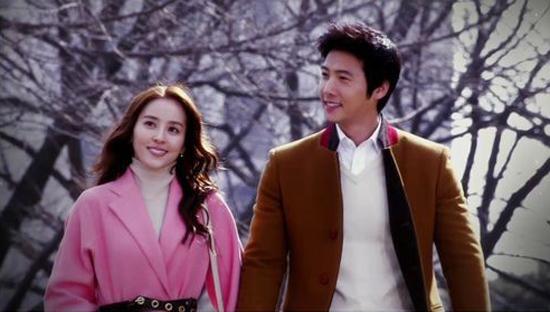SBS <따뜻한 말 한마디> 마지막 회의 한 장면. 나은진(한혜진 분)과 김성수(이상우 분).