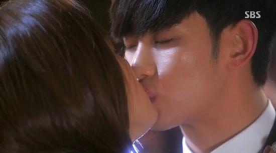 지난 27일 방영한 SBS 수목드라마 <별에서 온 그대> 마지막회 한 장면
